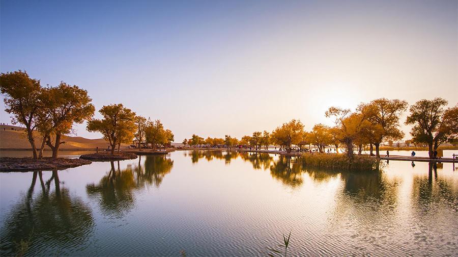 品质环线游:天池喀纳斯禾木可可托海巴音布鲁克罗布人村寨吐鲁番双飞十二日游