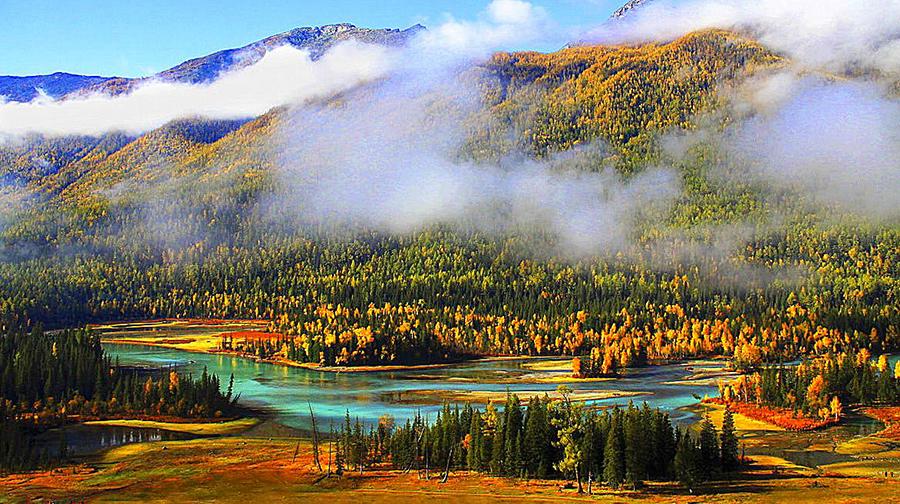 品质环线游:天池喀纳斯禾木可可托海巴音布鲁克罗布人村寨吐鲁番喀什四飞十四日游