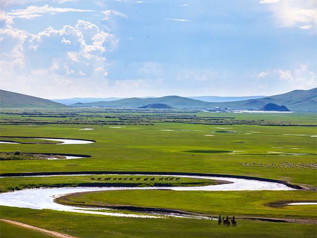 私家团:呼伦贝尔大草原金帐汗蒙古部落额尔古纳恩和黑山头满洲里双飞六日纯玩游